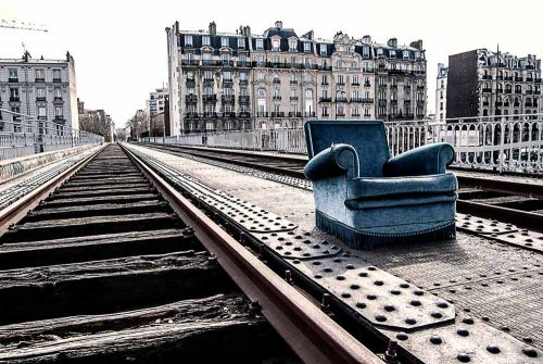 # PARIS # On the side track